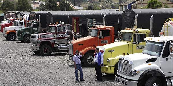 TRANSPORTE DE CARGA: Regulan cargue y descargue de mercancías en horario nocturno en Bogotá
